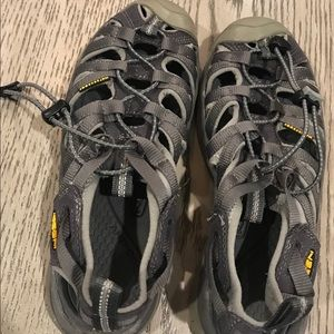 EUC Women's Keen Whisper sandals 7.5 grey